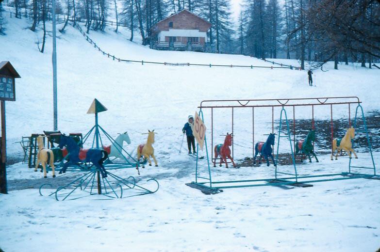 g-025-chalet-slope