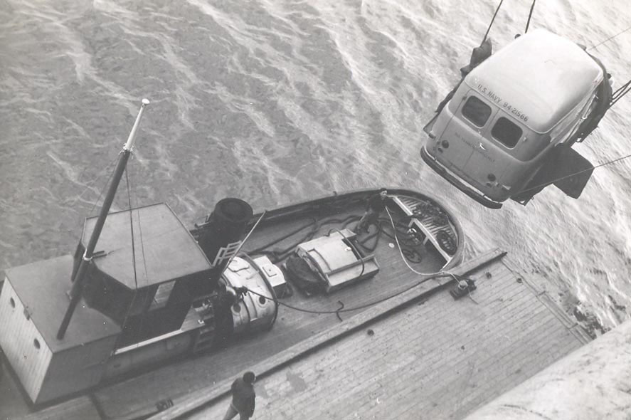 h-007-ships-vehicles-going-ashore