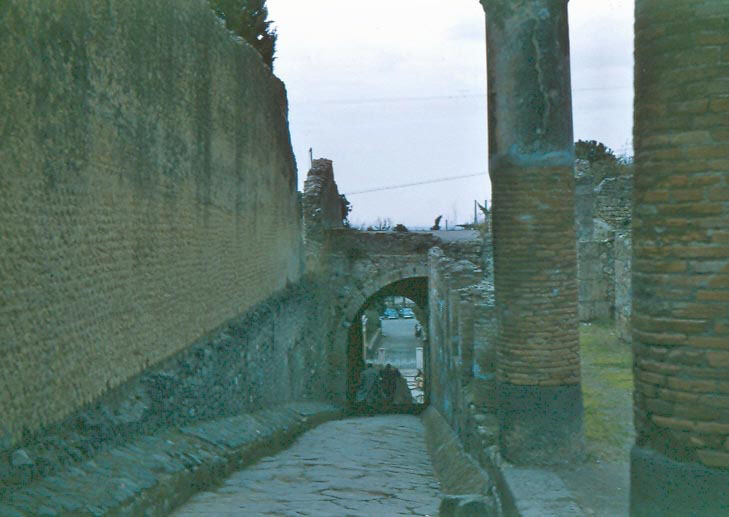 i-024-main-gate-of-pompeii