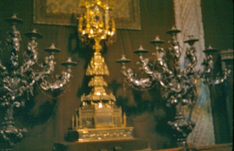 k-016-solid-gold-candleholder