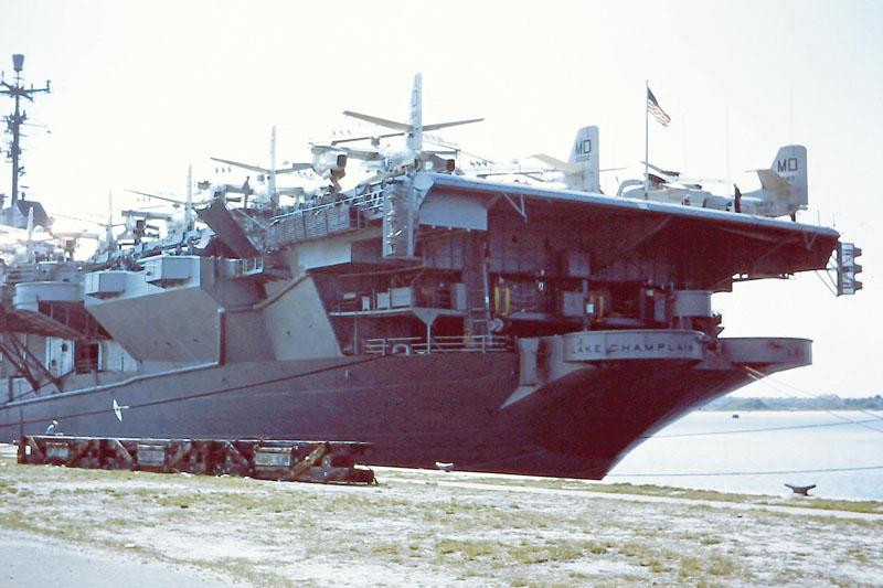 u-016 USS Lake Champlain CVA/CVS-39