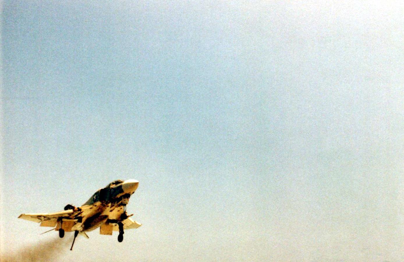 f4-1972-l