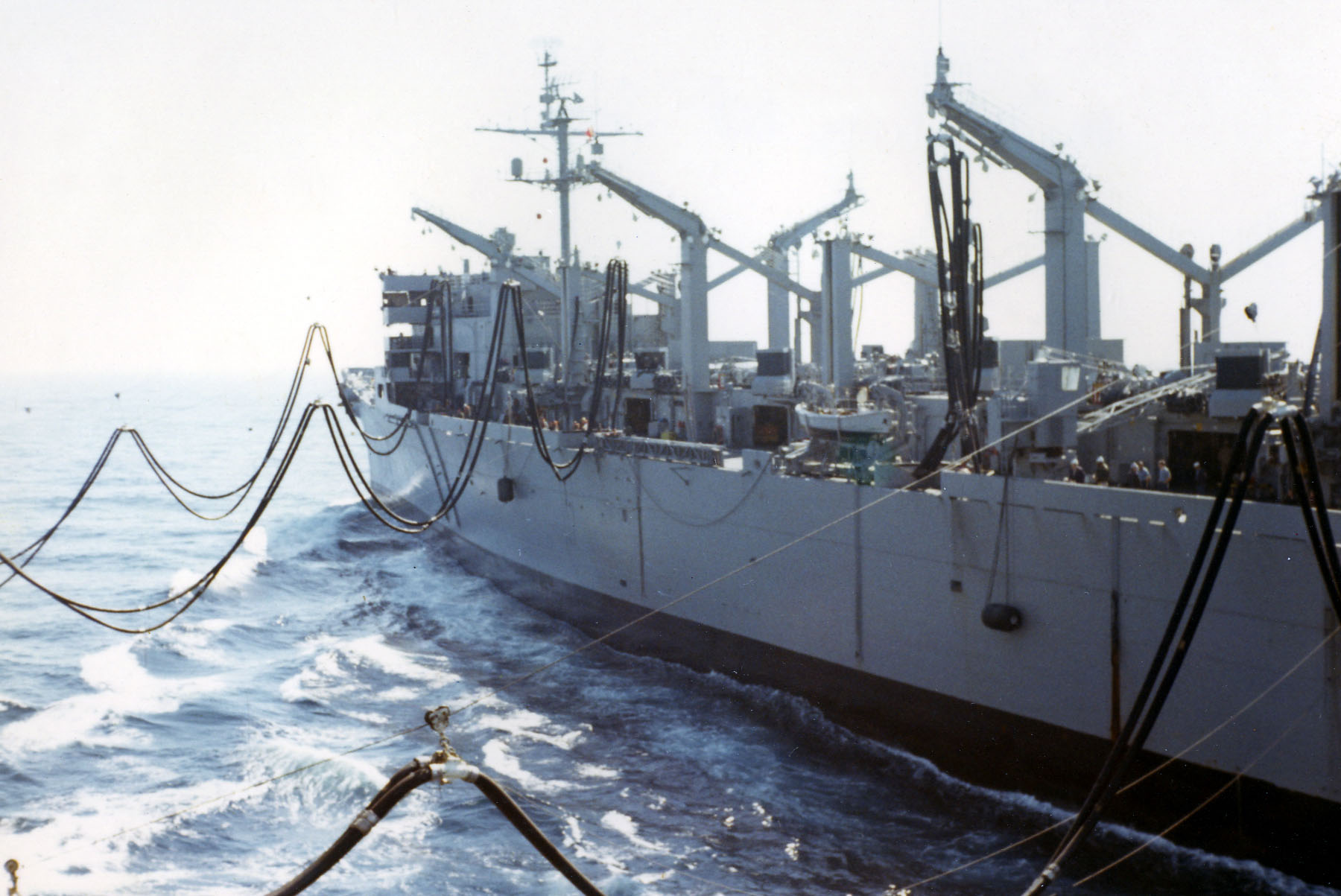03-refueling-at-sea-01-w