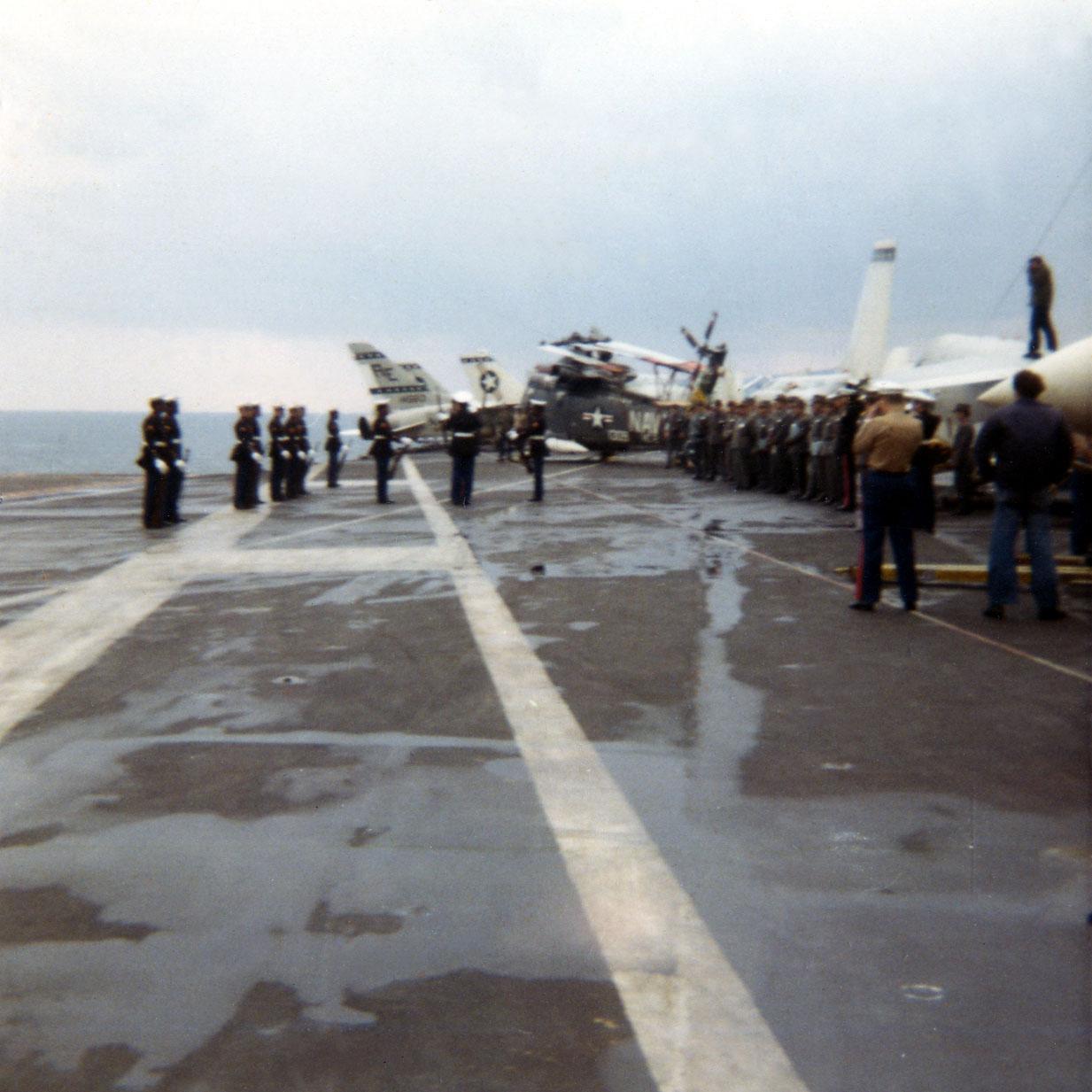 04-marine-detatchment-in-naples02-w