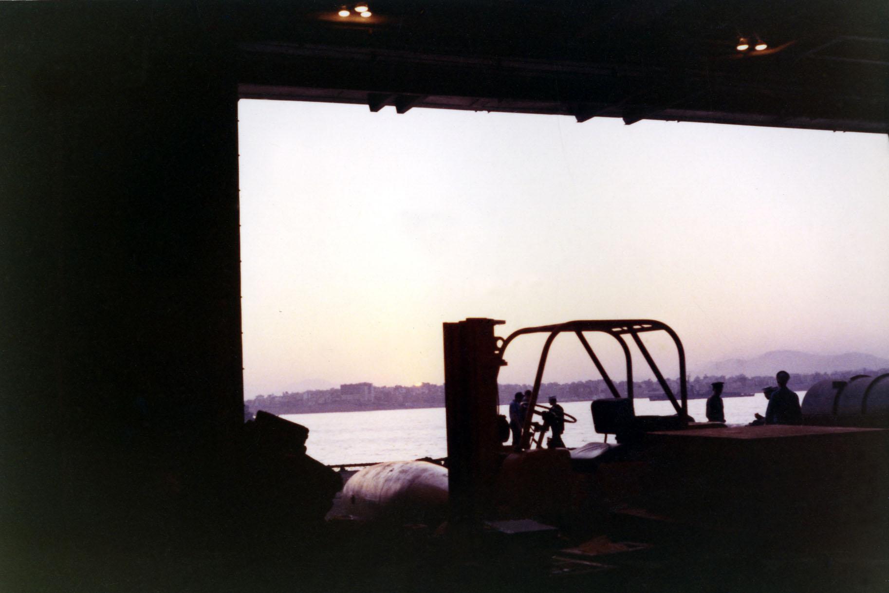 05-in-port01-w