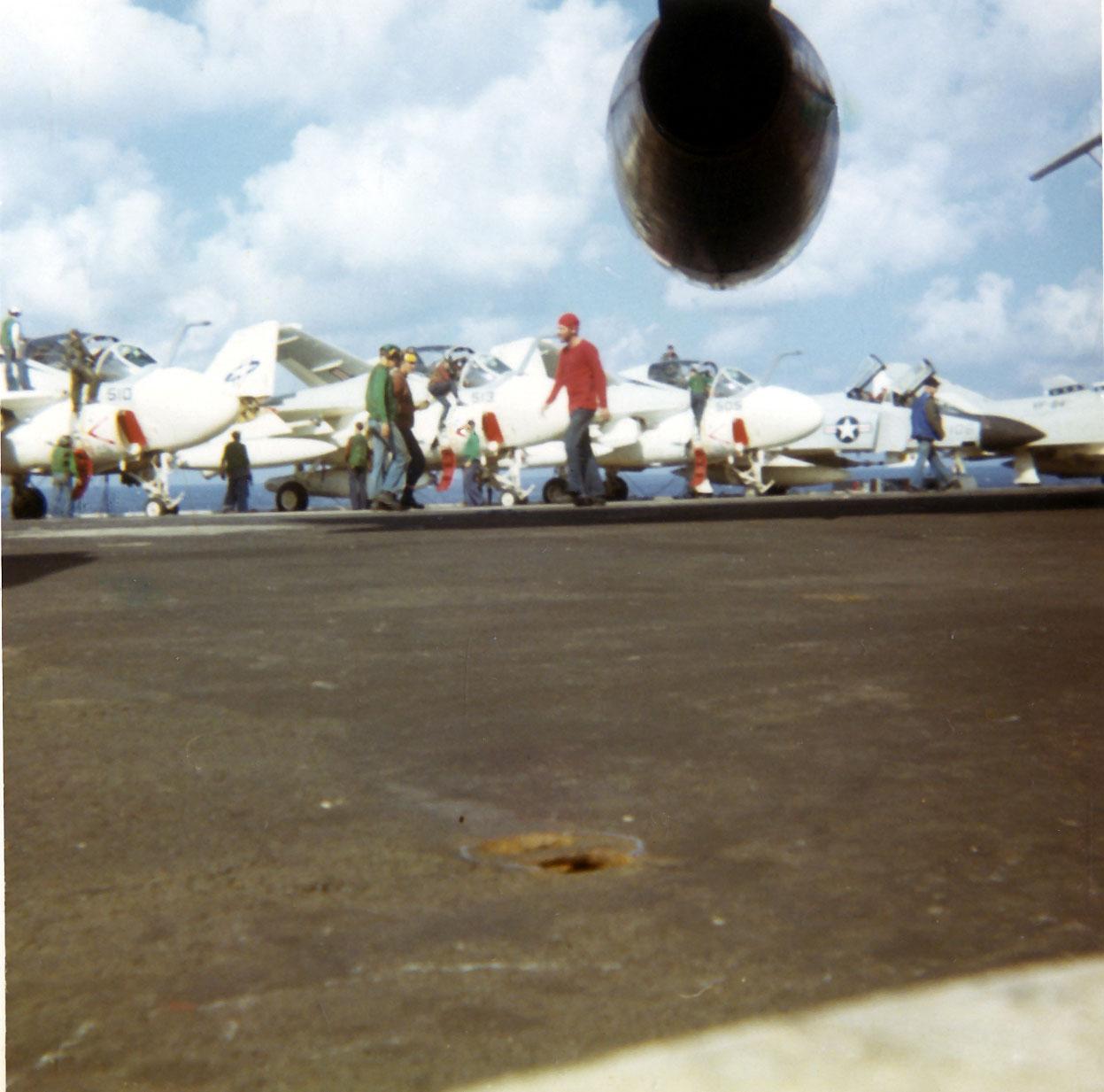 flight-deck-between-launches01-w