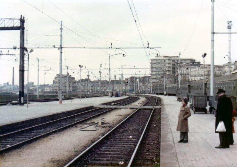 train-station-at-taranto-c