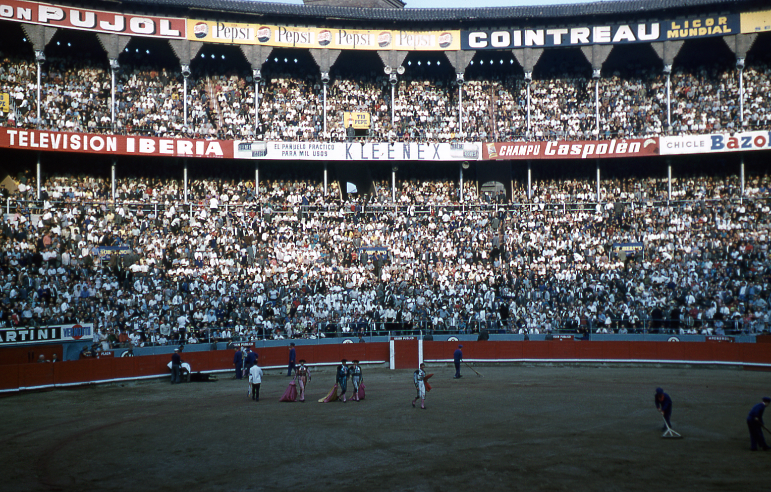 25-jun60-barcelona-bullfights