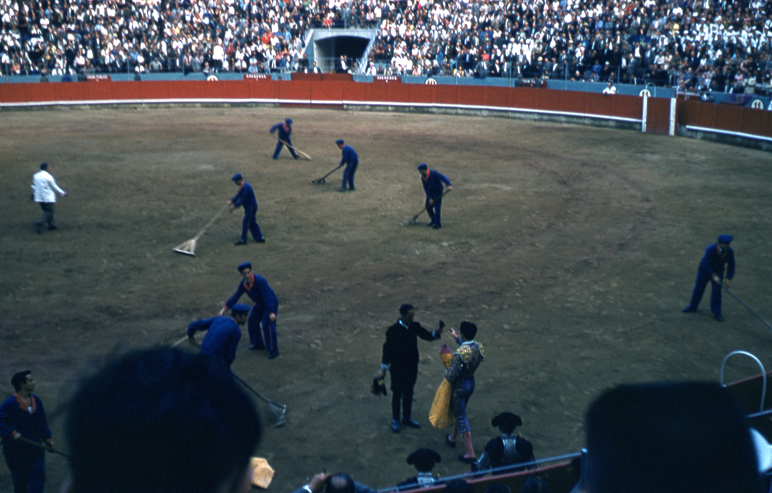 32-jun60-barcelona-bullfights