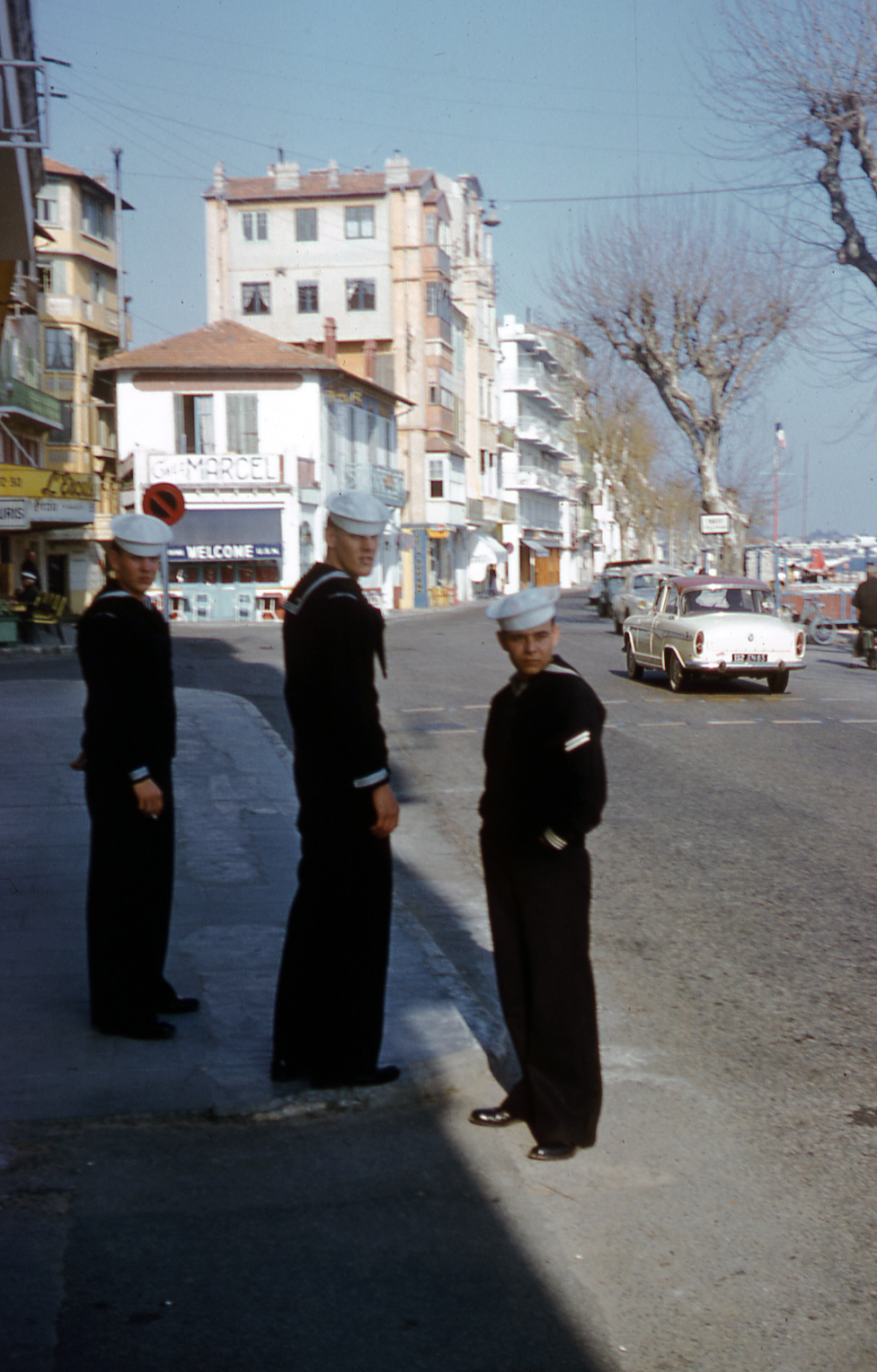 01-023-apr-61-cannes