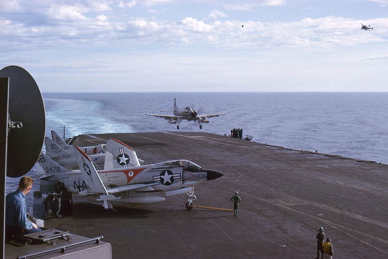 08 Flight Deck Recovery (A1H Skyraider) – USS Franklin D ...